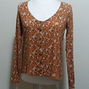 AMERICAN EAGLE OUTFITTER SHIRT XS LONG SLEEVES